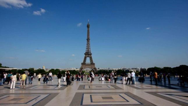 S&P Fransa'nın notunu düşürdü