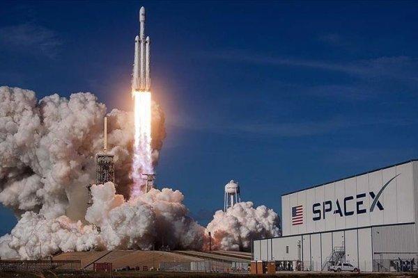 SpaceX dijital radyo uydusunu uzaya yolladı