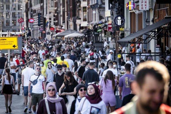 Hollanda hükümetinden riskli ülkelere seyahat kurallarında değişiklik