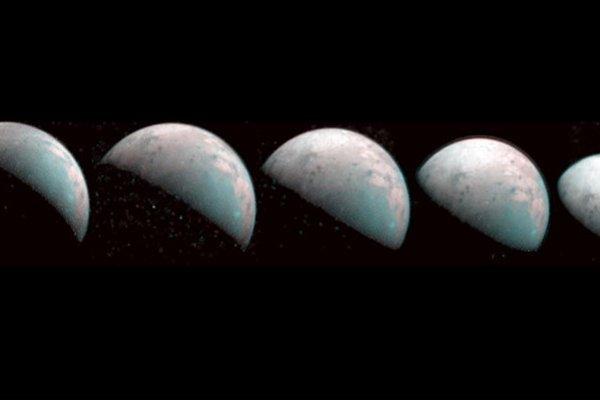 Jüpiter'in uydusunda su izleri