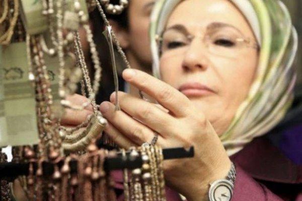 """""""Emine Erdoğan'ın kol saati çakma değilse 30 bin Euro"""""""
