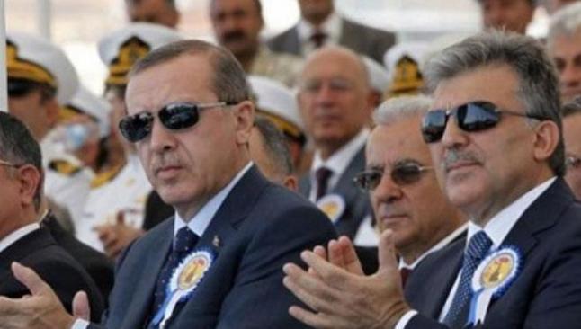 Erdoğan ve Gül'ün danışmanları mahkemelik