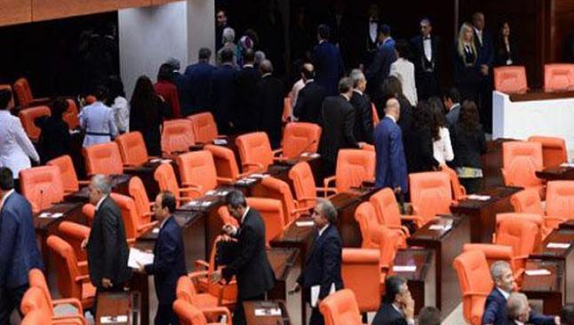 2016 bütçesi Meclis'e sunuldu