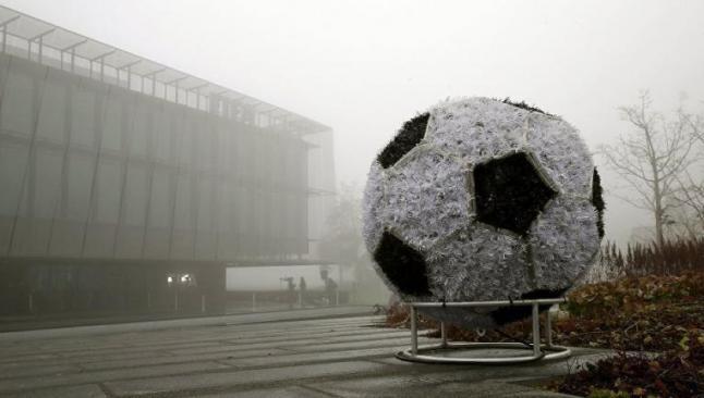 Dünya futbolunun 2 ismine kırmızı kart