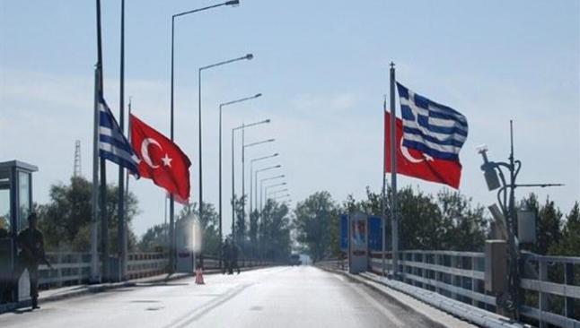 Yunanistan sınır kapılarını kapatıyor