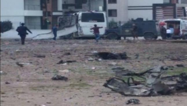 Diyarbakır'da polis servisine saldırı