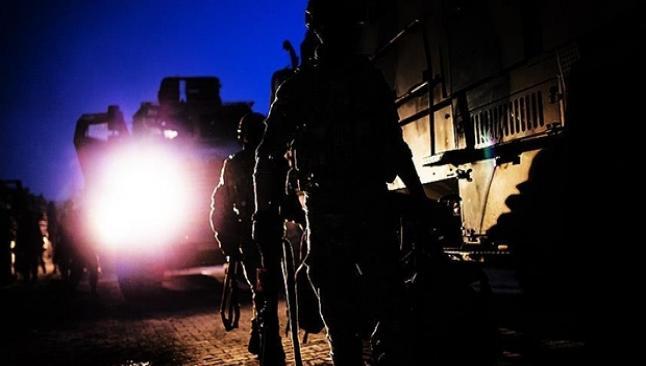 Dicle'de Jandarma Taburu'na saldırı