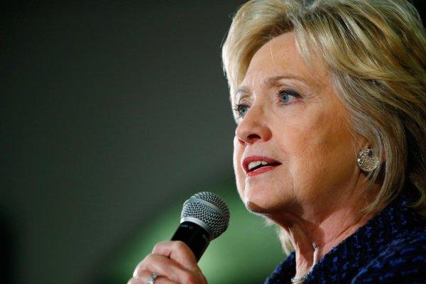 Clinton: Trump başkanlık vasıflarına sahip değil