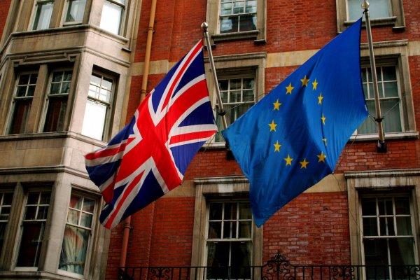 İngiltere'de Brexit'çiler önde