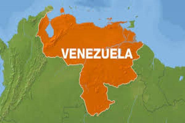 Ekonomik kriz Venezuela'da olağanüstü hâl ilan ettiriyor