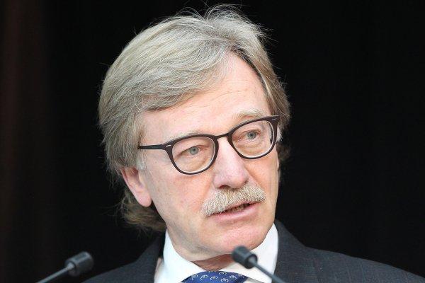 Mersch: ECB'nin daha fazla faiz indirimi riski arttırır