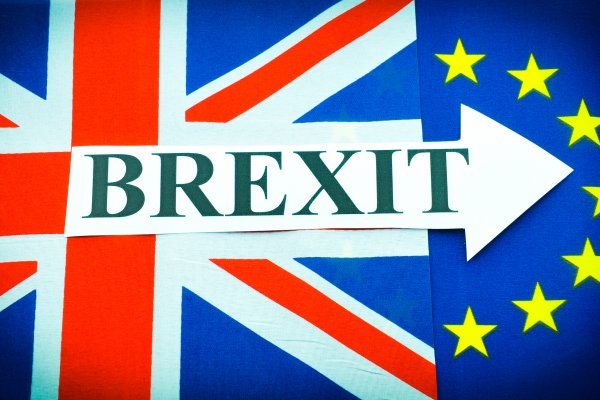 Brexit yine ertelendi