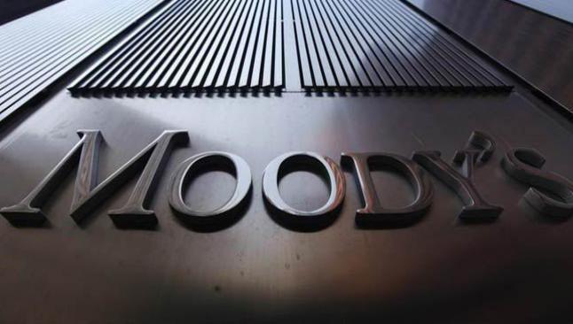 Moody's bankalara kırık not verdi