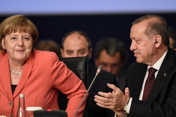 Merkel: İdama şiddetle karşıyız