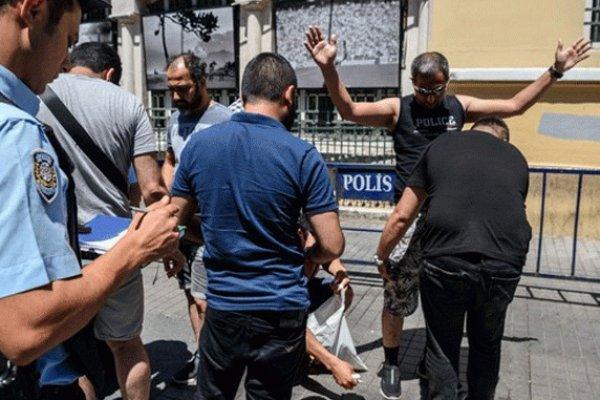 İstiklal Caddesi'nde herkes didik didik aranıyor
