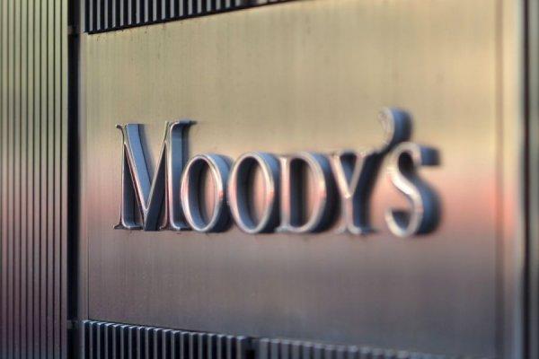Moody's Türk şirketlerinin notlarını düşürmeye başladı