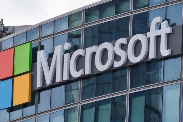 Microsoft'un geliri azaldı