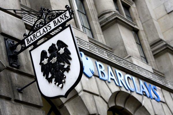 Barclays o ülkeden çıkıyor