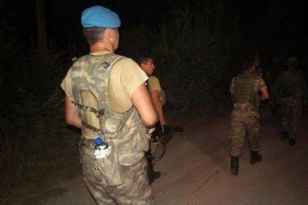 Oteli basan 10 asker daha yakalandı