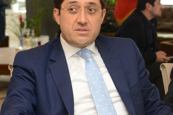 CHP'li belediye başkanına FETÖ'den yurt dışına çıkış yasağı