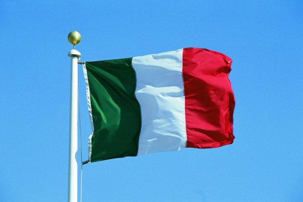 İtalya'nın büyüme tahmini yarı yarıya düşürüldü