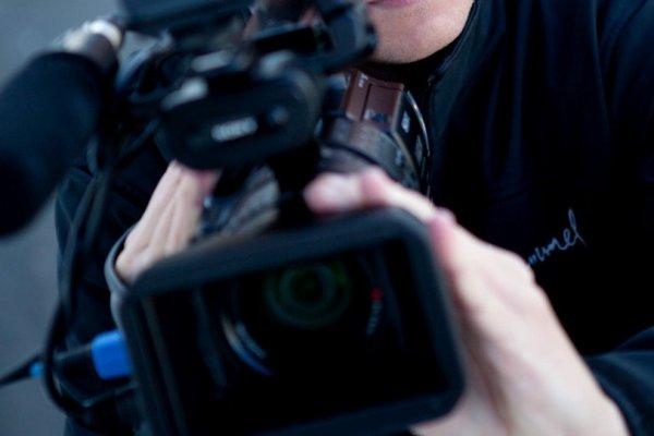 Gazetecilere yurt dışına çıkışta 'evrak' şartı