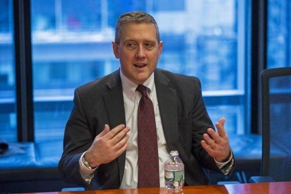 St. Louis Fed Başkanı daha agresif faiz indirimi istedi