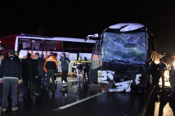 Karabük'te iki yolcu otobüsü çarpıştı