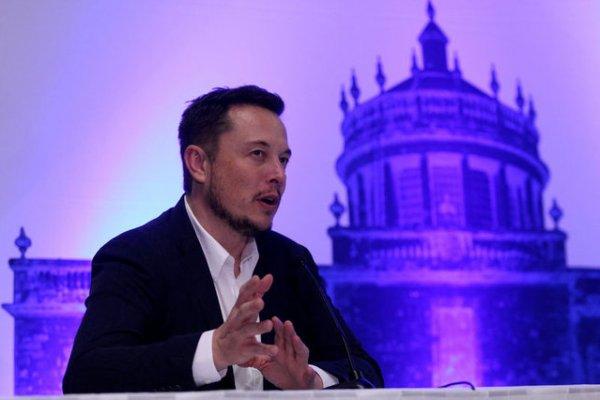 Musk Mars'a seyahat planını açıkladı