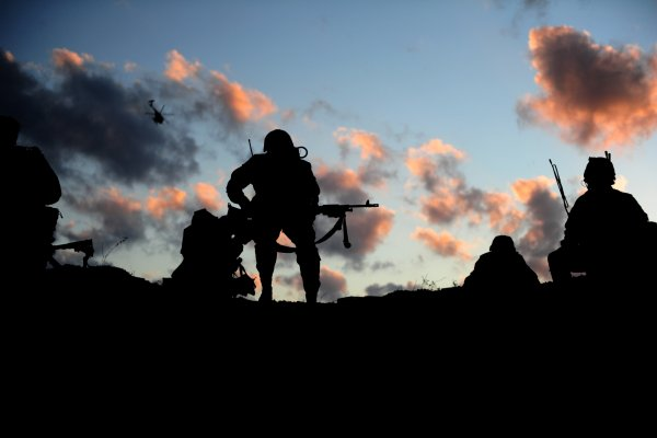 Türk askeri kırmızı alarma geçti