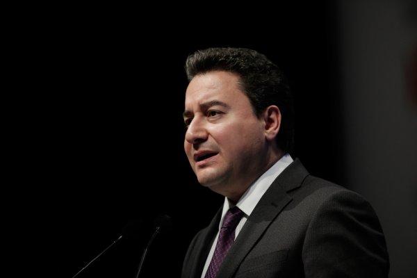 Ali Babacan yeni partiyi sonbaharda kuruyor