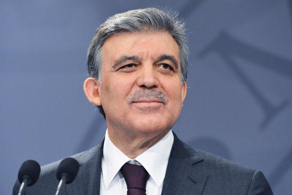 Abdullah Gül aday olup olmayacağı iddialarına son noktayı koydu