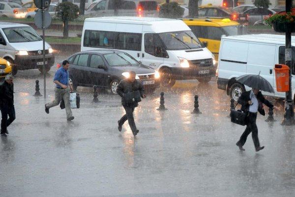 İstanbul'da olumsuz hava şartları etkili oluyor