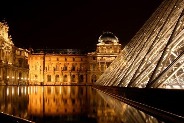 Paris Kovid-19 nedeniyle 3'üncü kez kapanıyor