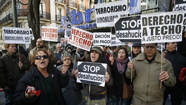İspanya'da 35 bin aile evini kaybetti