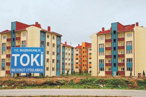 100 TL'lik satış bedelini ödemeyenlerden TOKİ evlerini geri aldı