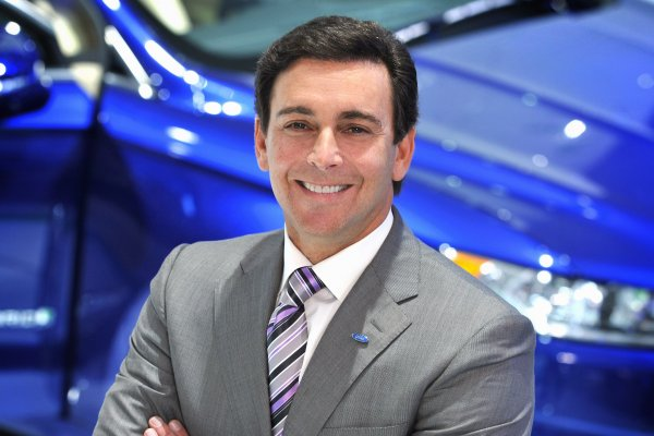 Ford'un CEO'su Mark Fields işten atıldı!