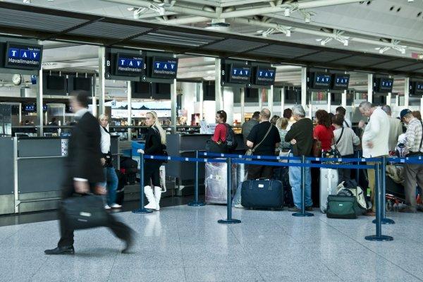 Şubat'ta havayolu yolcu sayısı 12,3 milyon oldu