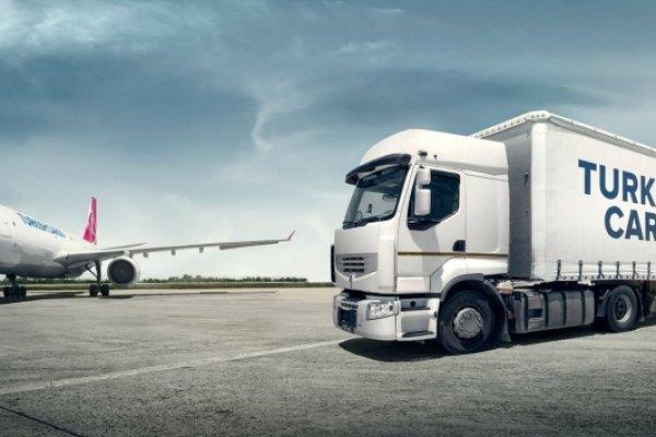 Turkish Cargo'nun Brezilya'ya ilk uçağı indi