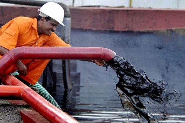 Suudi Arabistan'dan dünyaya petrol şoku