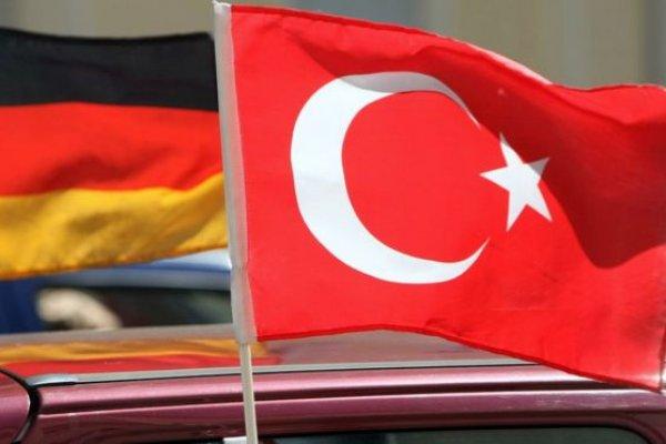 Türkiye 'terörü desteklediğinden şüphelenilen' Alman şirketleri listesini geri çekti