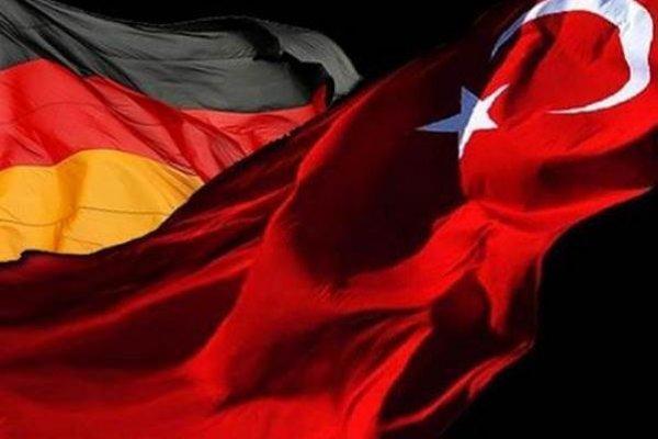Almanya 6 bin 784 Türk'ü sınır dışı edecek