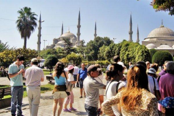 İstanbul'a ilk 6 ayda kaç milyon turist geldi?