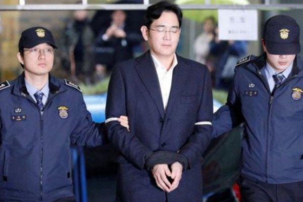 Samsung'un veliahdının 12 yıl hapsi isteniyor