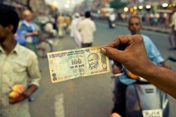 Hindistan bütçe açığı nedeniyle harcamaları kısacak