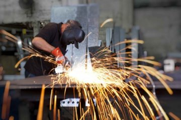 Almanya imalat PMI nisanda hafif çekildi