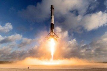 SpaceX, 10 haberleşme uydusunu yörüngeye gönderdi