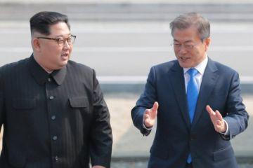 Kuzey Kore ve Güney Kore liderleri bir araya geldi