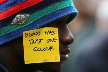 İtalya'da siyahi kadın ten rengi yüzünden işten çıkarıldı