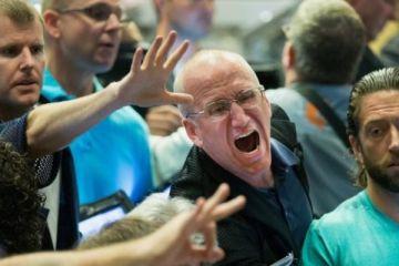 Siyasi kaygılar Euro Bölgesi'ni vurdu